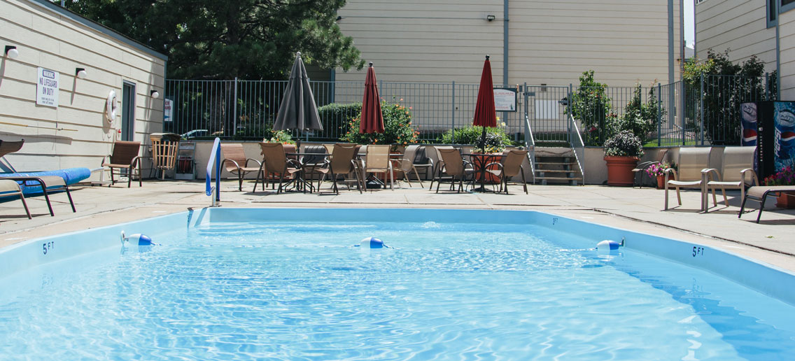 Wadsworth Parkway Apartments swimming pool